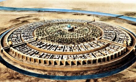 The Golden Age of Baghdad: Center of the Abbasid Caliphate and Arab Intellectualism