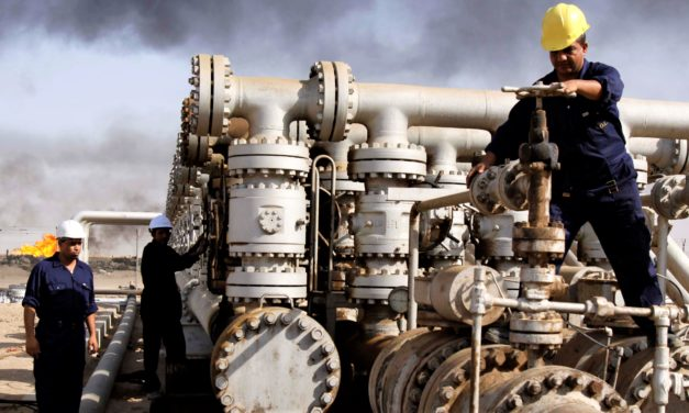 Iraq's Oil Sector Growth Threatened by Domestic and Regional Tensions