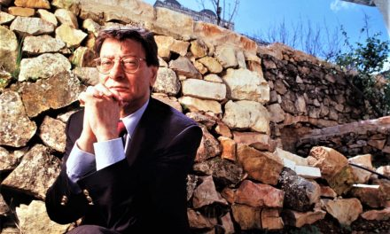 Mahmoud Darwish (1941-2008): A Life Tied to Poetry and Politics<br><span style='color:#808080;font-size:20px;'>Profile</span>